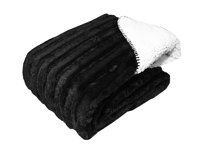 Black Cozy Fleece Oversized Luxury Solid Mink Throw with Sherpa Back