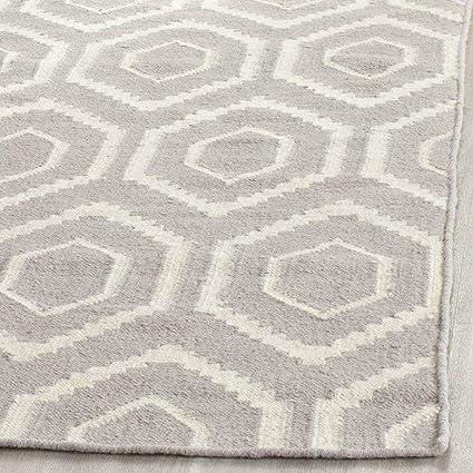 Amazon Com Safavieh Dhurries Grey Ivory Small Rectangle Rug Furniture Decor