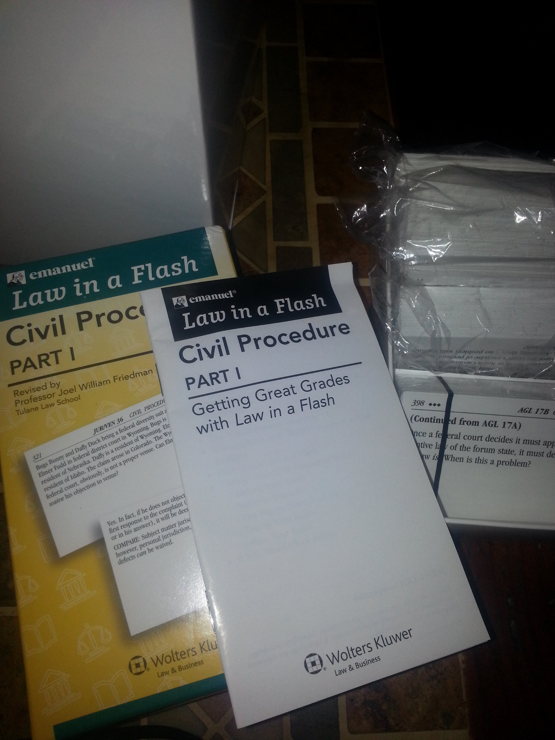 Law in a Flash 1st Year Law Set: 6 Packs of Flashcards and Book: Lazar Emanuel, Kimm Walton: 9781565425965: Amazon.com: Books