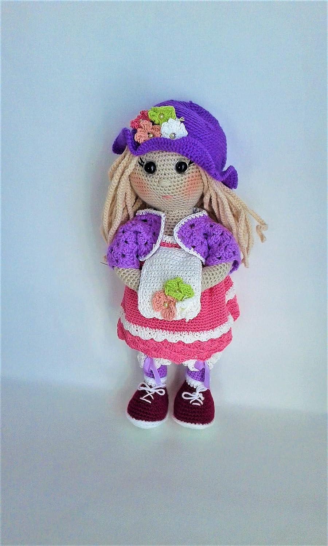Little lady doll crochet pattern - Amigurumi Today | 1500x900