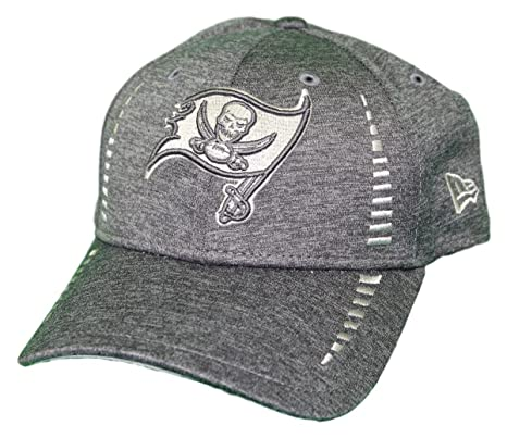 detailed look 63e4c 4eb01 Image Unavailable. Image not available for. Color  New Era Tampa Bay  Buccaneers 9Forty NFL Graphite Shadow Speed Adjustable Hat