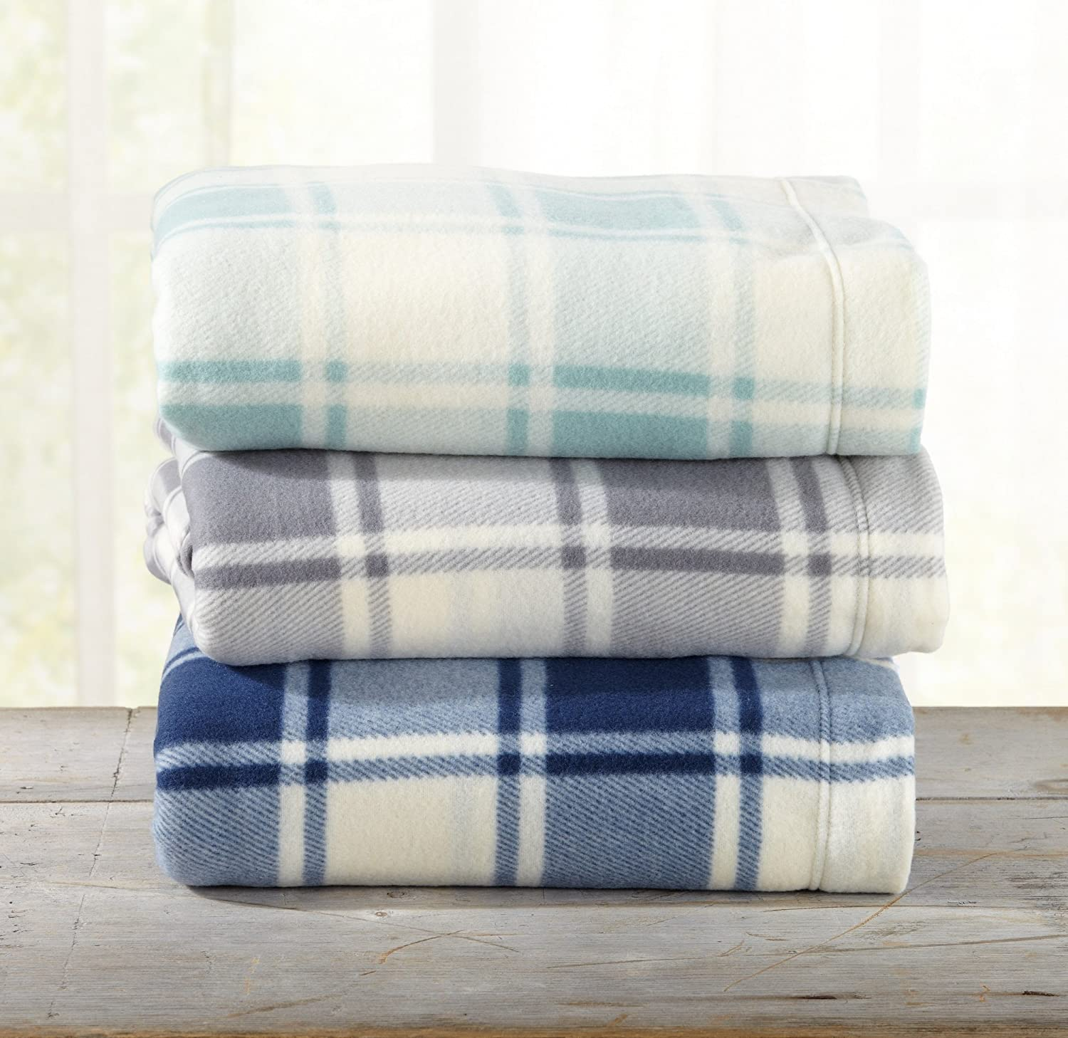 Durable Super Soft Extra Plush Plaid Fleece Sheet Set Dara Collection by Great Bay Home Brand. Warm Full, Navy Breathable Winter Sheets with Plaid Pattern Smooth Cozy