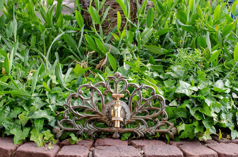 Nostalgie Wasseranschluss Zierrosette Eisen Wasserhahn Garten grün antik Stil