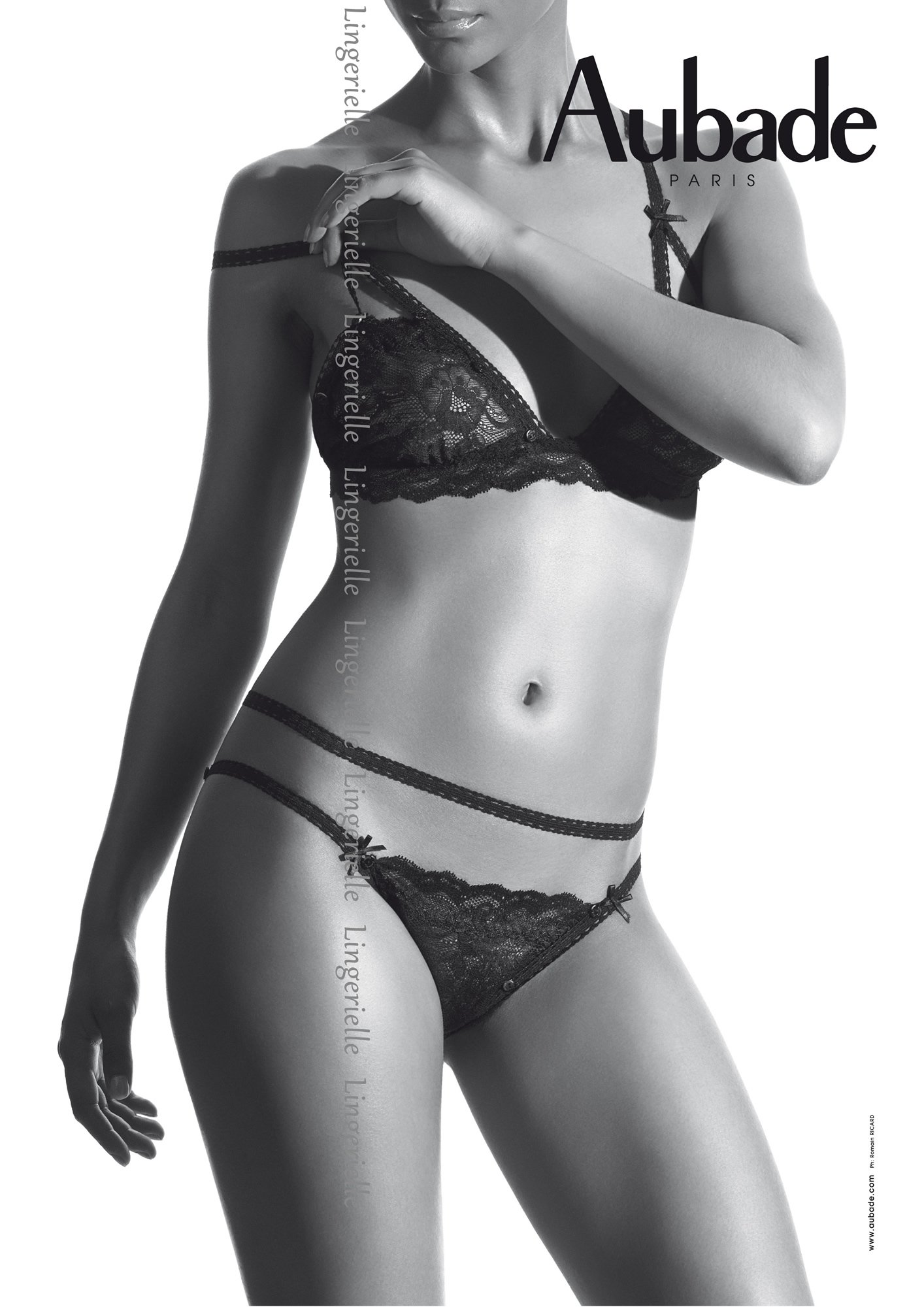 Boîte à Désir 3-Piece «Cache-cache» Set - Seductive Black by Aubade Paris