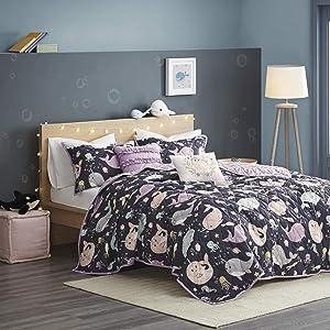 "Urban Habitat Kids Magical Narwhals Reversible 100% Cotton Quilt, Novel Animal Print Modern All Season Down Alternative Bed Set for Kids, Decorative Pillows, Twin(68""x88""), Purple Multi 4 Piece"