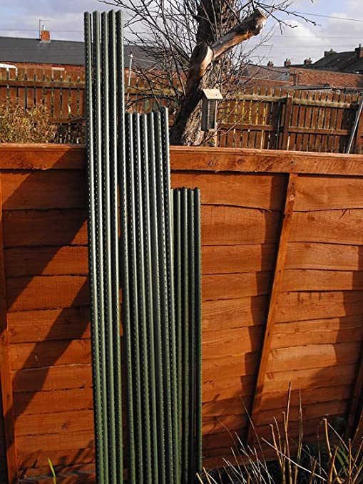 Sturdy Steel Garden Stakes 5ft Plastic Coated Plant Stakes 20Pack Climbing Plant