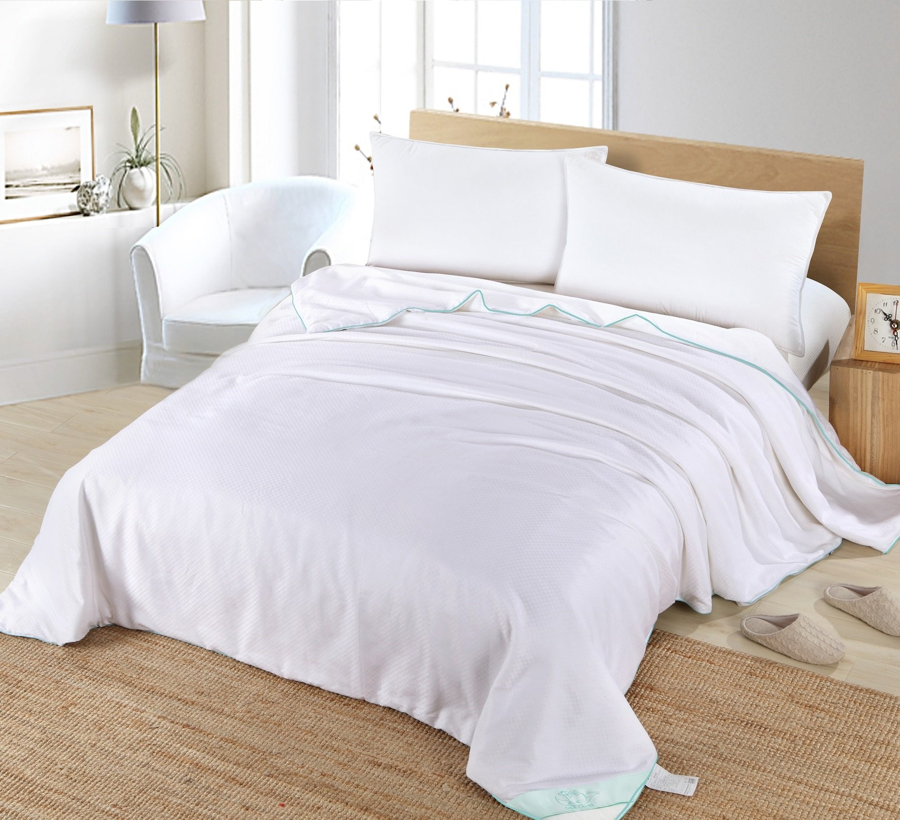 Silk Camel Luxury Allergy-free Comforter filled with 100% natural long strand mulberry silk for Spring / All Season - King Size by Silk Camel