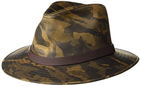 cc0a5f98cfc62 Amazon.com  Henschel Safari Camo with Leather Band  Sports   Outdoors