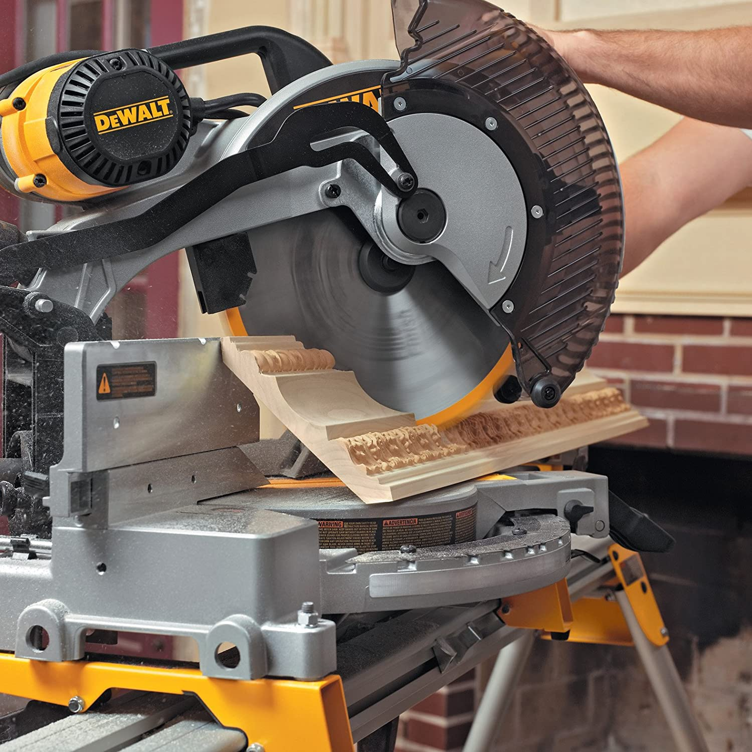 DEWALT 12-Inch Compound Miter Saw Double-Bevel, 15-Amp DW716