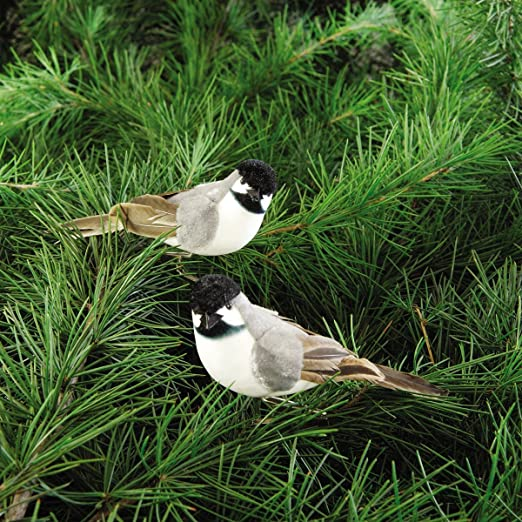 Christmas Tablescape Decor - Add these adorable chickadee birds to any Christmas decor winter scene