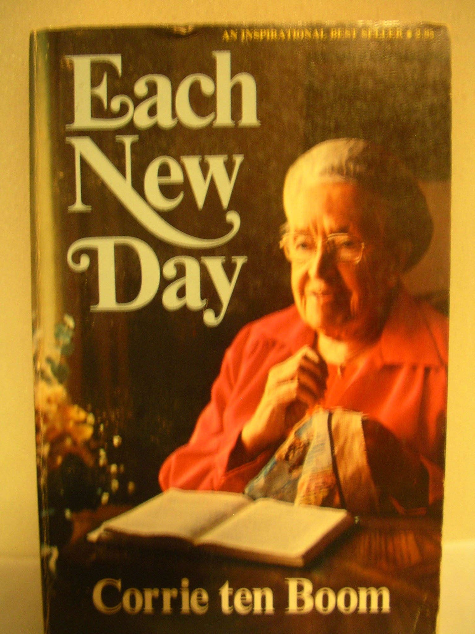 Each new day 365 simple reflections corrie ten boom 9780890660072 amazon com books