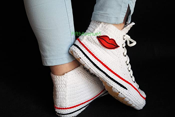 5f71df020fb4 Amazon.com  Crochet Kissing Sexy Shoes Slippers Knitting Indoor House  Slippers For Women Casual Plush Emoji Kiss Me Comfortable Sneakers Gift   Handmade
