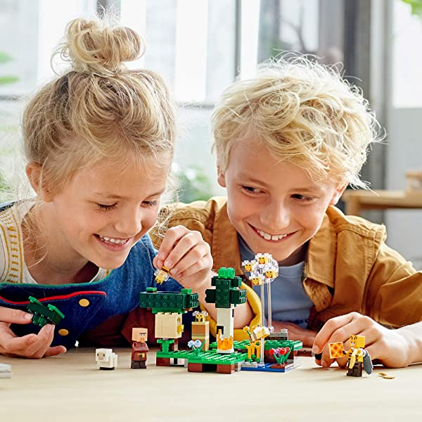 LEGO Minecraft The Bee Farm building set for kids