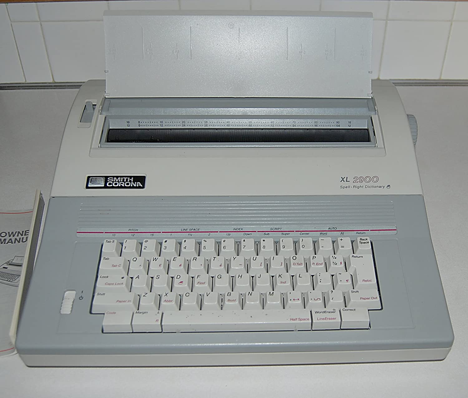 Amazon Com Smith Corona Electronic Typewriter W Spell Right Dictionary Word Correct Xl 2900 Model 5a 1 Electronics
