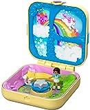 Polly Pocket Magia degli Unicorni, Playset con 3 Nascondigli da Rivelare, 3 Accessori, 1 Micro Bambola Shani e Sticker, GDK78