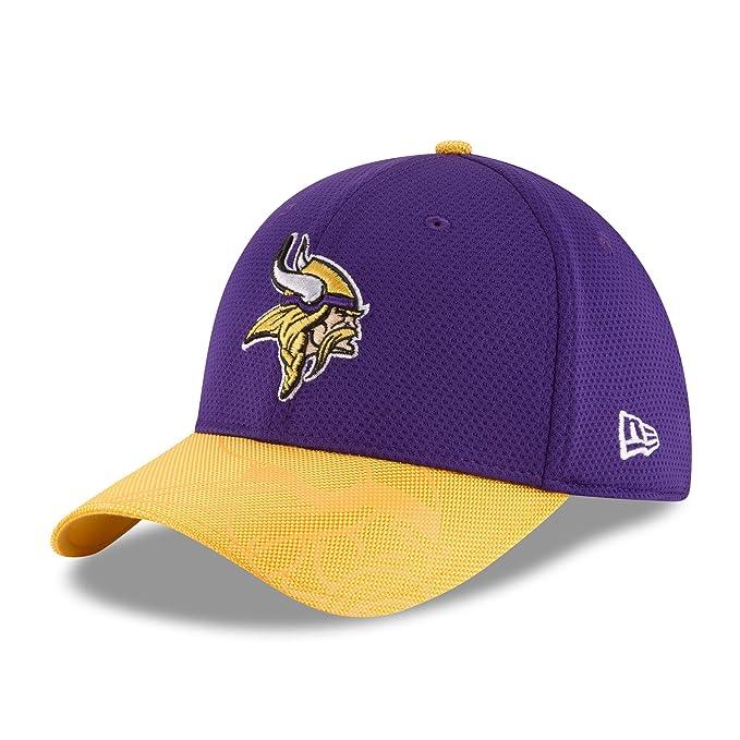 38522adadee New Era Men s 2016 NFL Sideline 3930 Vikings Flex Fit Hat Purple Gold Size  Small