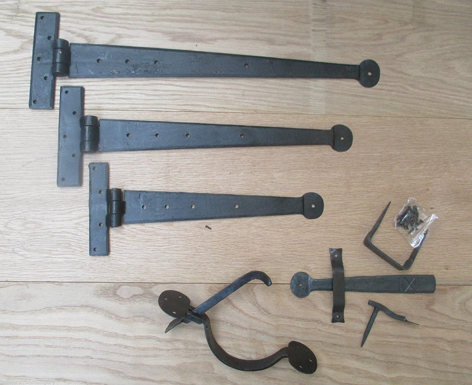 """A Pair of 12/"""" Tee Hinges /& Suffolk Latch in Cast Iron"""