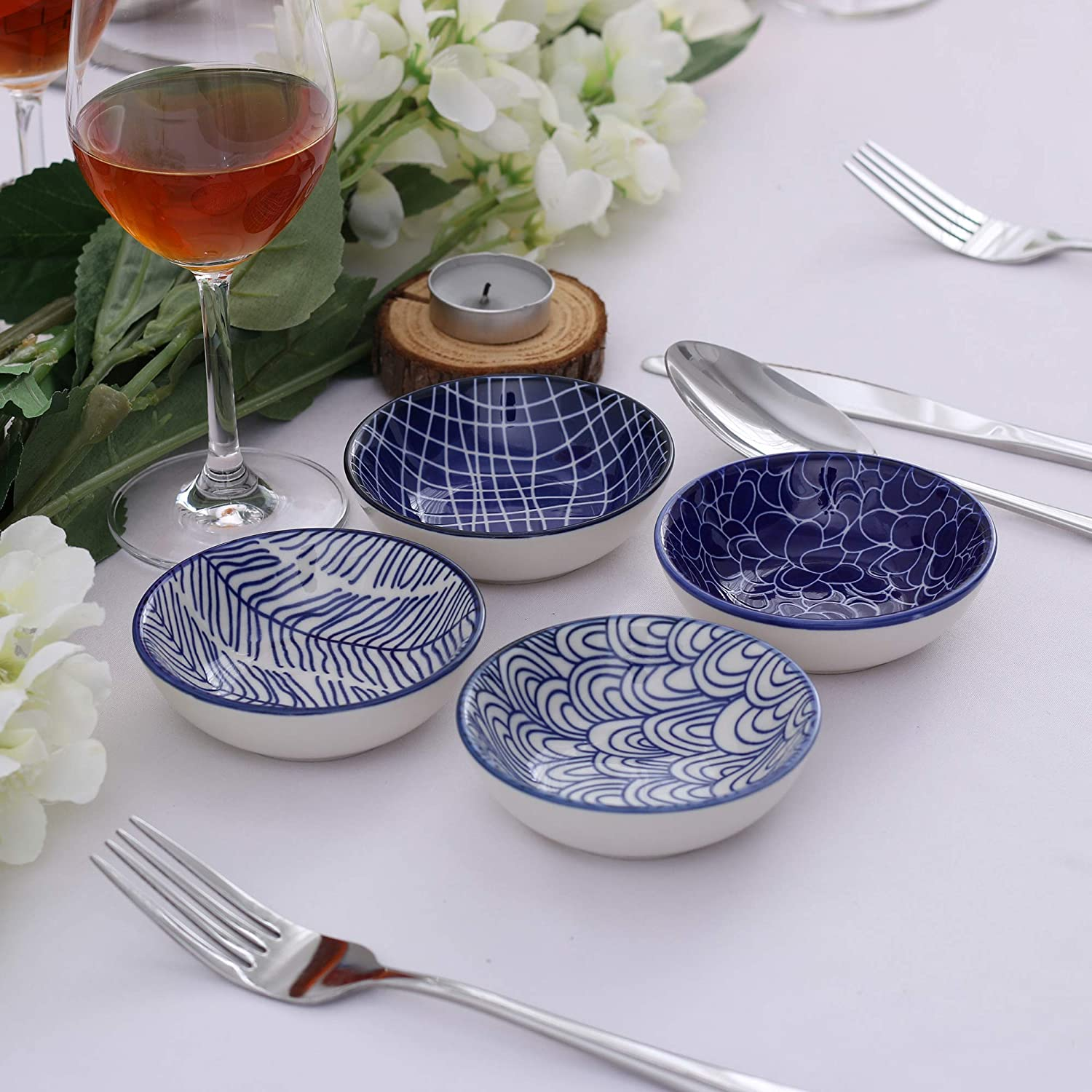 Vancasso 8 Pieces 3.5 Inches Patterned 4 Designs Japanese Style Blue and White Multi-Colour Porcelain Appetiser Dishes Set 8.8 * 8.8 * 2.8cm