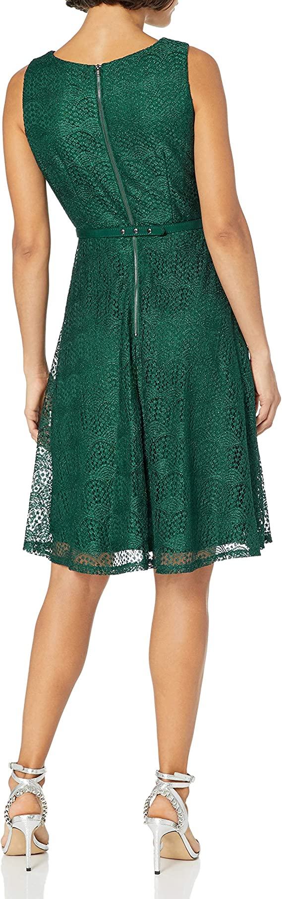 GABBY SKYE Damska Petite Sleeveless Round Neck Belted Fit and Flare Solid Crochet Lace Dress Kleid: Odzież