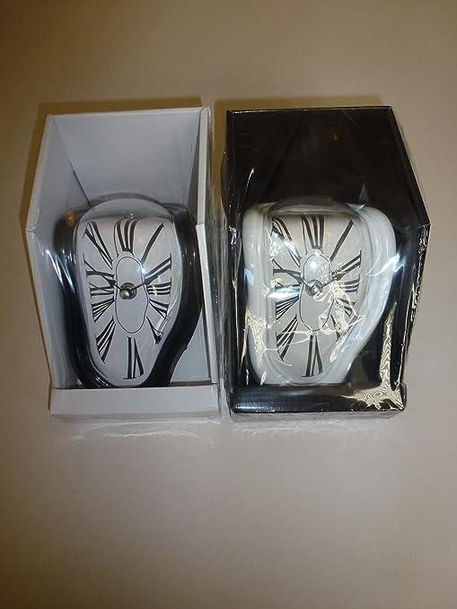Reloj de estilo Dali buysku - estante sentado con blanco o negro