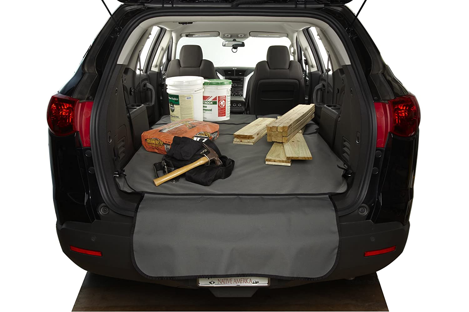 Cargo tray (if equipped)