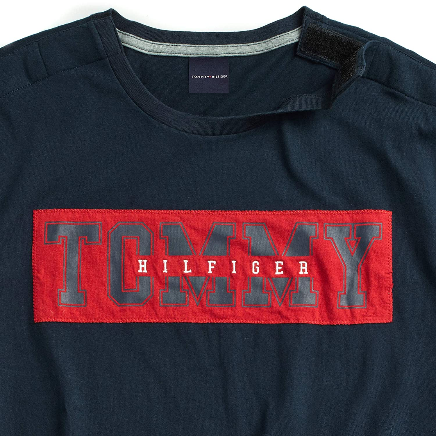 f375b32f Amazon.com: Tommy Hilfiger Men's Adaptive T Shirt with Adjustable Shoulder  Closure: Clothing