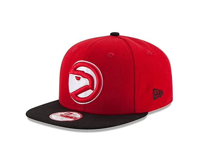 brand new 9be39 11995 Amazon.com   NBA Atlanta Hawks Hardwood Classics 2Tone Basic 9FIFTY  Snapback Cap, One Size, Scarlet Black   Clothing