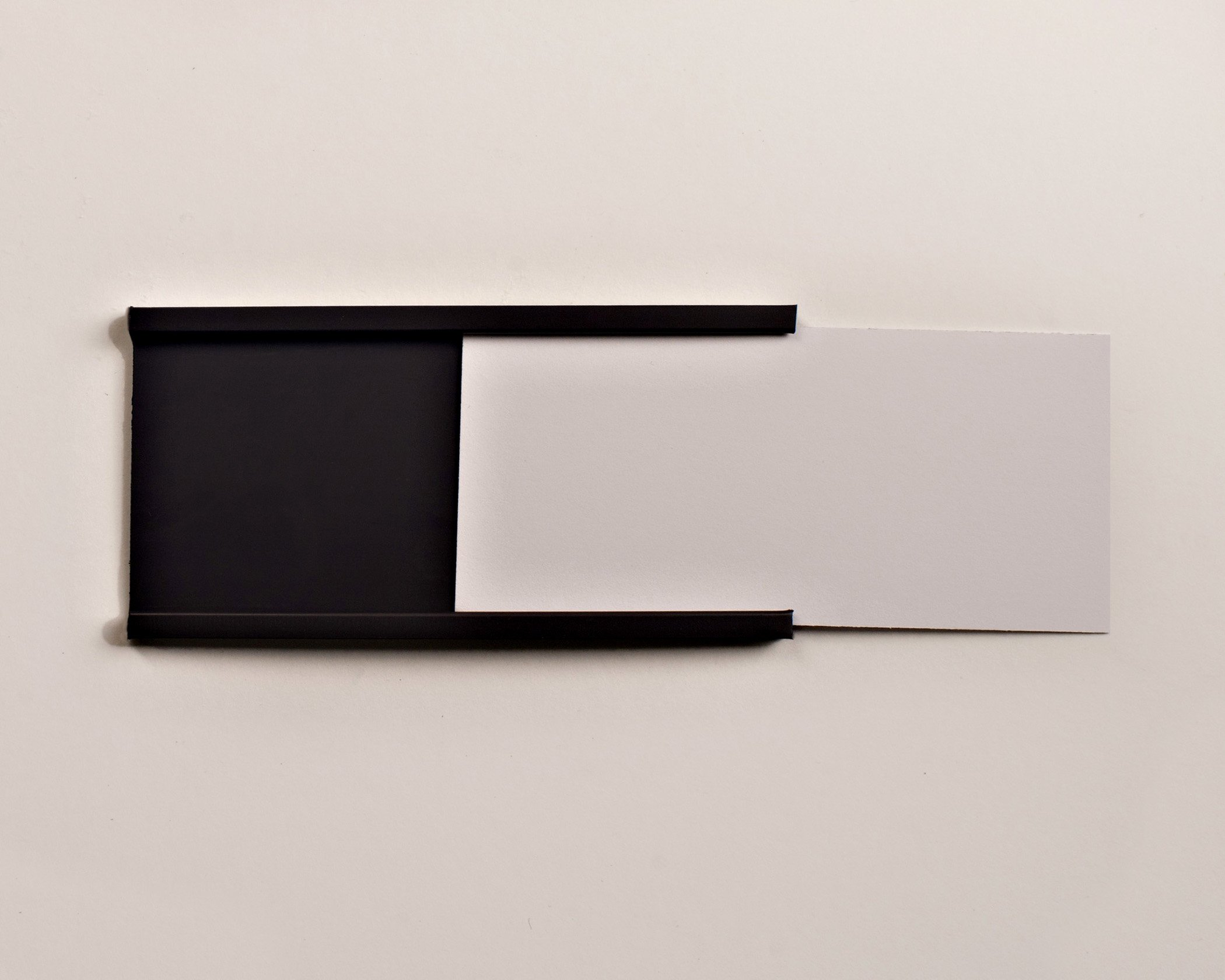 2.16'' x 3'' Magnetic Data Cardholder C-Channel Shelf Labels - 25 Pack with 25 Precut Cards