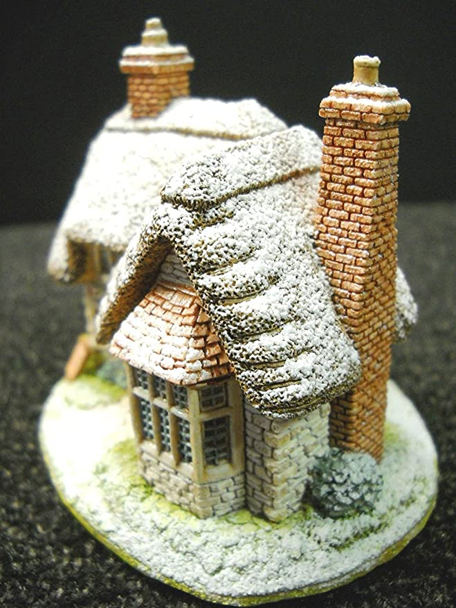 Amazon.com: Enesco Lilliput Lane – Figura decorativa ...