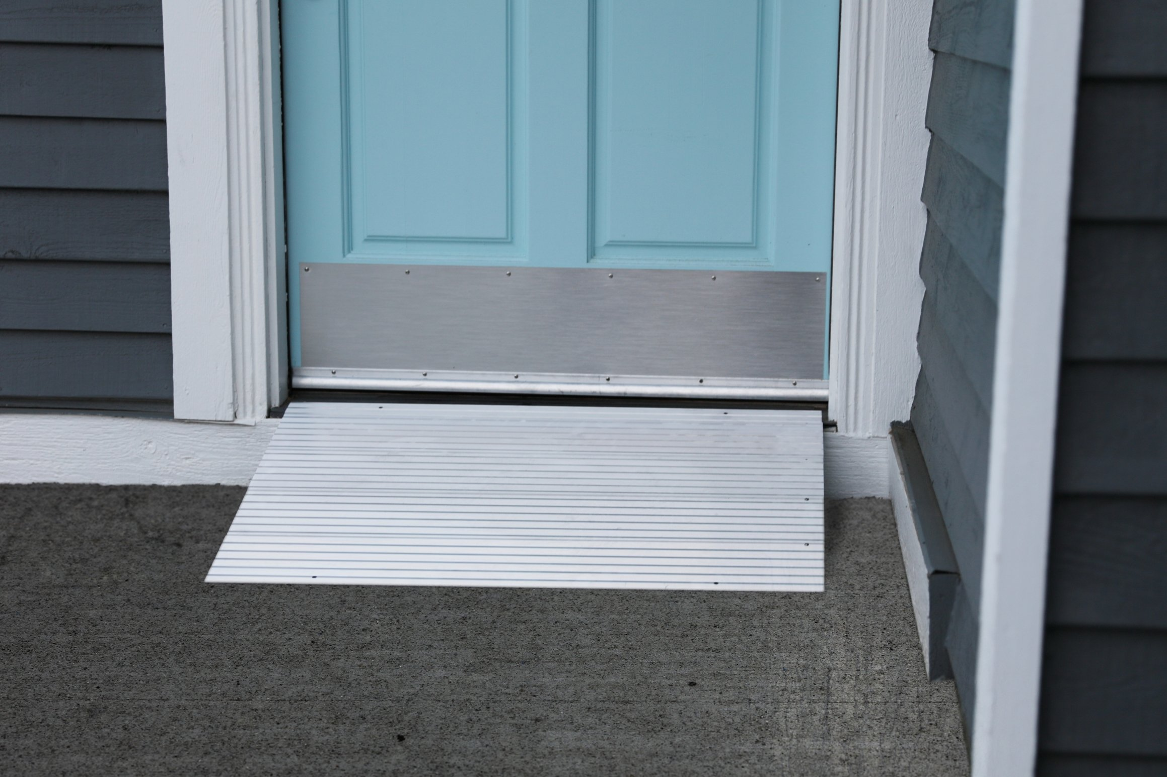 EZ-ACCESS Transitions Modular Entry Ramp 5 Inch, 21 Pounds