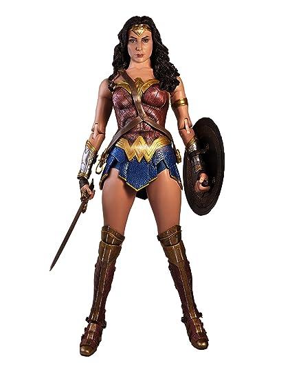 Картинки по запросу 1:4 Wonder Woman Movie - Wonder Woman Figure NECA