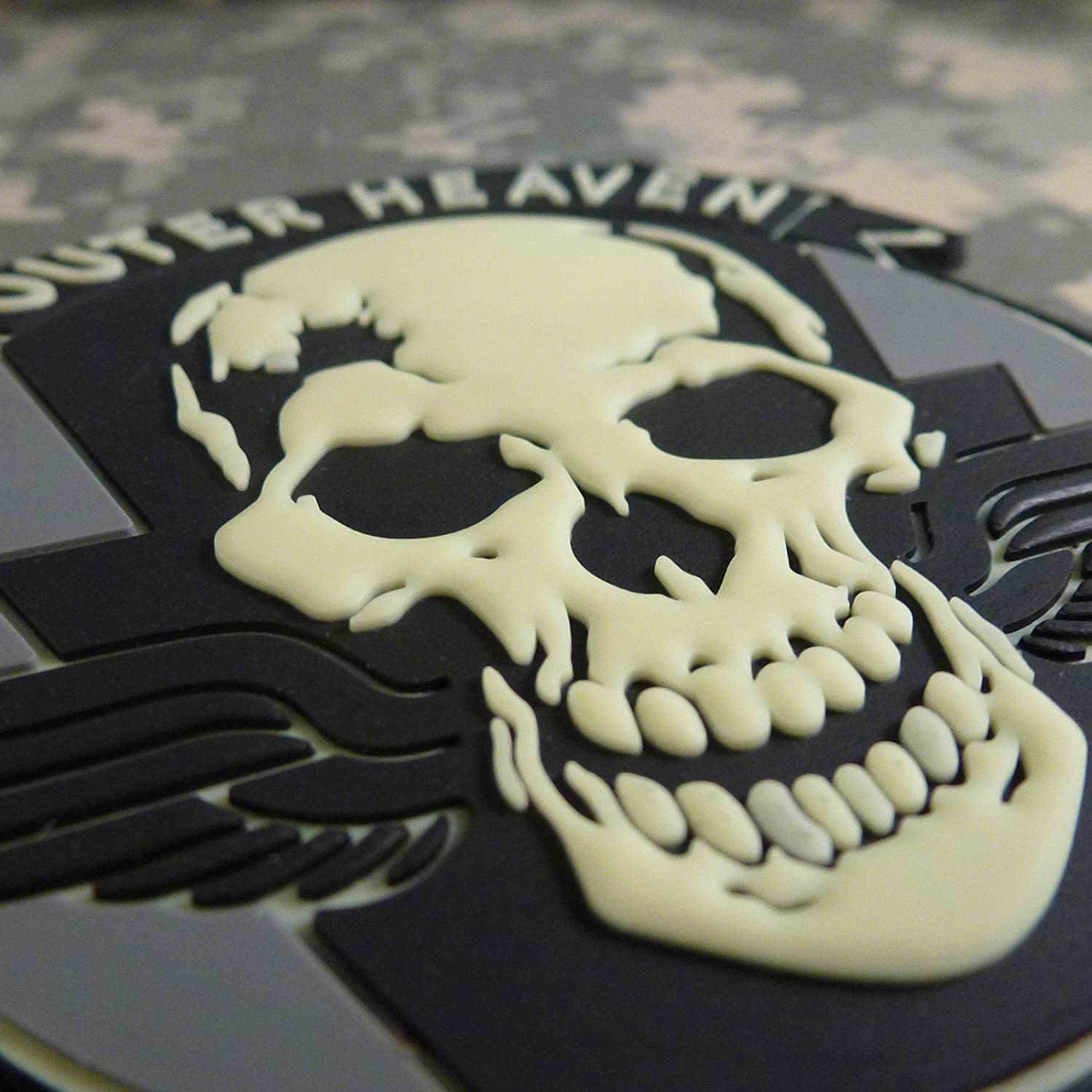 Metal Gear Solid Outer Heaven The Phantom Pain Cosplay PVC Rubber 3D Hook-and-Loop Patch