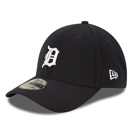 super popular d6014 c5ed7 Amazon.com   New Era Men s Team Classic 3930 Detroit Tigers Home Navy Hat  MD LG   Sports   Outdoors
