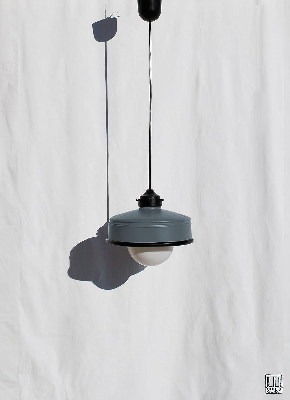 ♥ Lampadario grigio antracite opaco e cavo nero , fatto a mano, riciclando latte di caffé ♥ ....Eco-friendly. Lampadina LED , luce calda, inclusa. Invio GRATIS per l'Europa. Offerta speciale per 2 o + lampade !