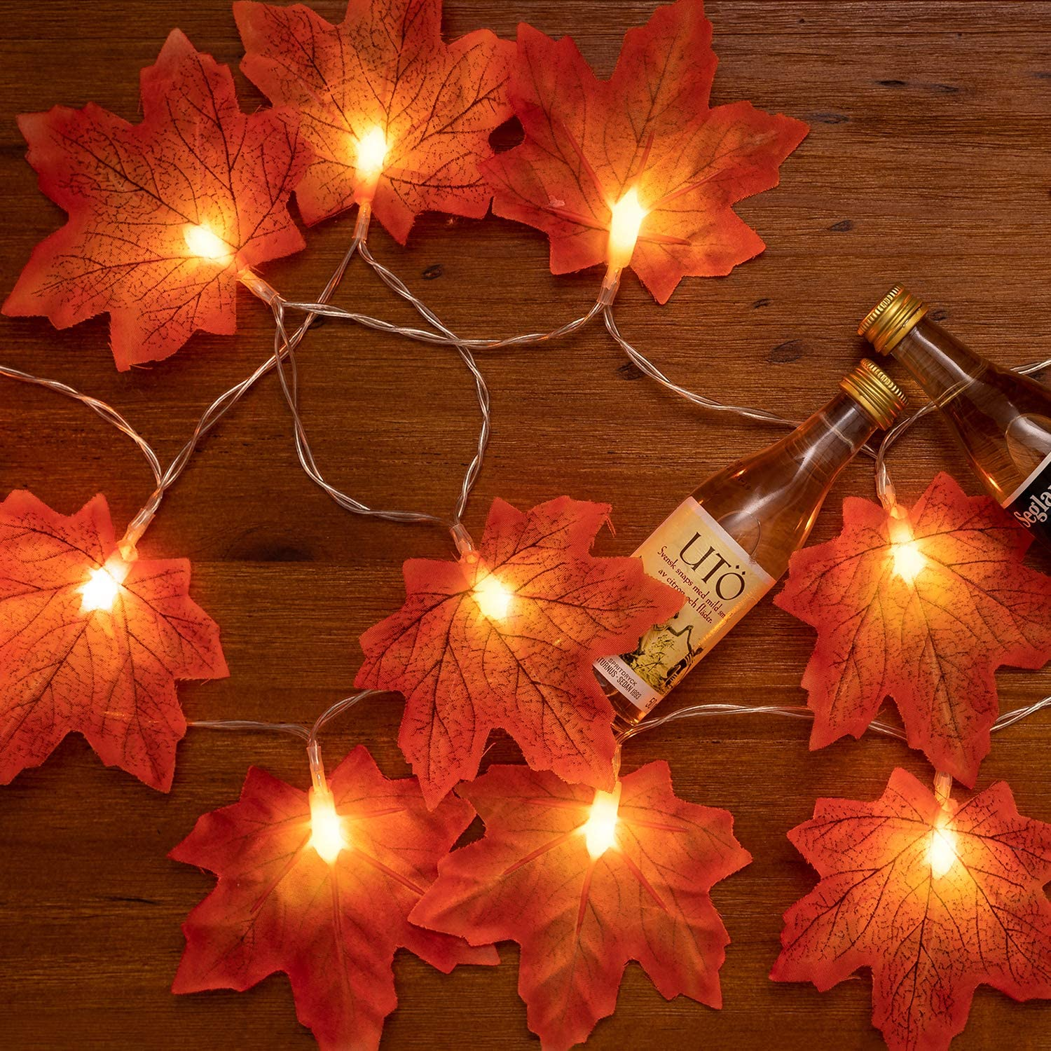 Huishang 4 Pack of Maple Leaves Thanksgiving Lights with Tatal 40 LED, Battery Operated Lights for Outdoor Indoor Thanksgiving Decorations for Home, 2 Modes Lights String for Autumn Fall Decor