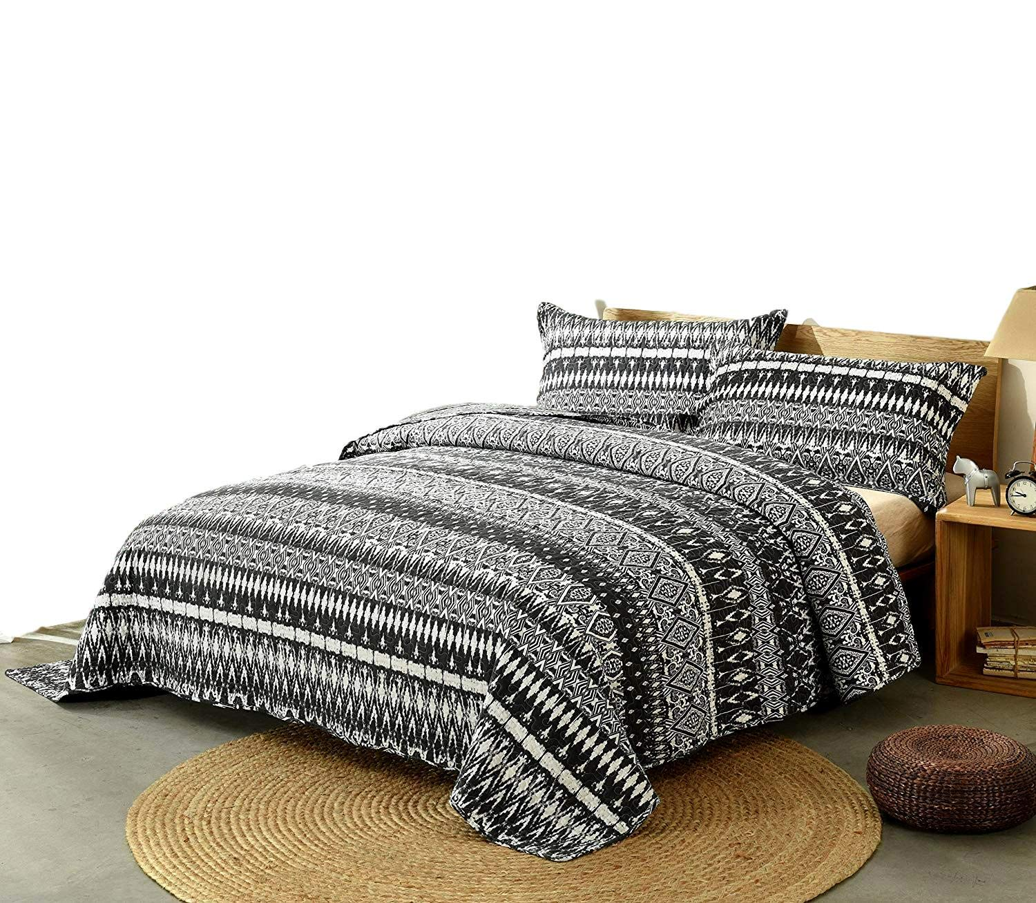 DaDa Bedding Aztec Bedspread Set - Native American Boho Diamond Stripes Quilted Coverlet Bohemian Tribal - Reversible Black & White - King - 3-Pieces