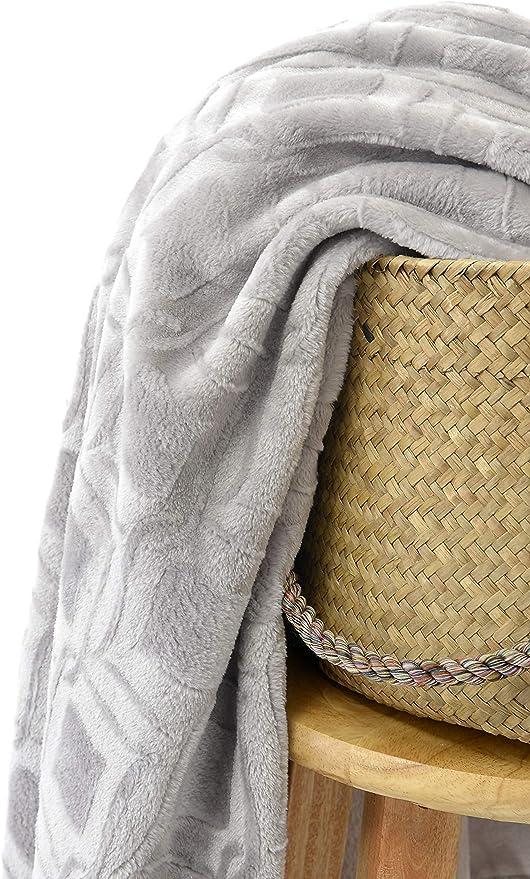 HappyCare Textiles Ultrasoft Diamond Embossed MicroVelvet blanket 108x90inches