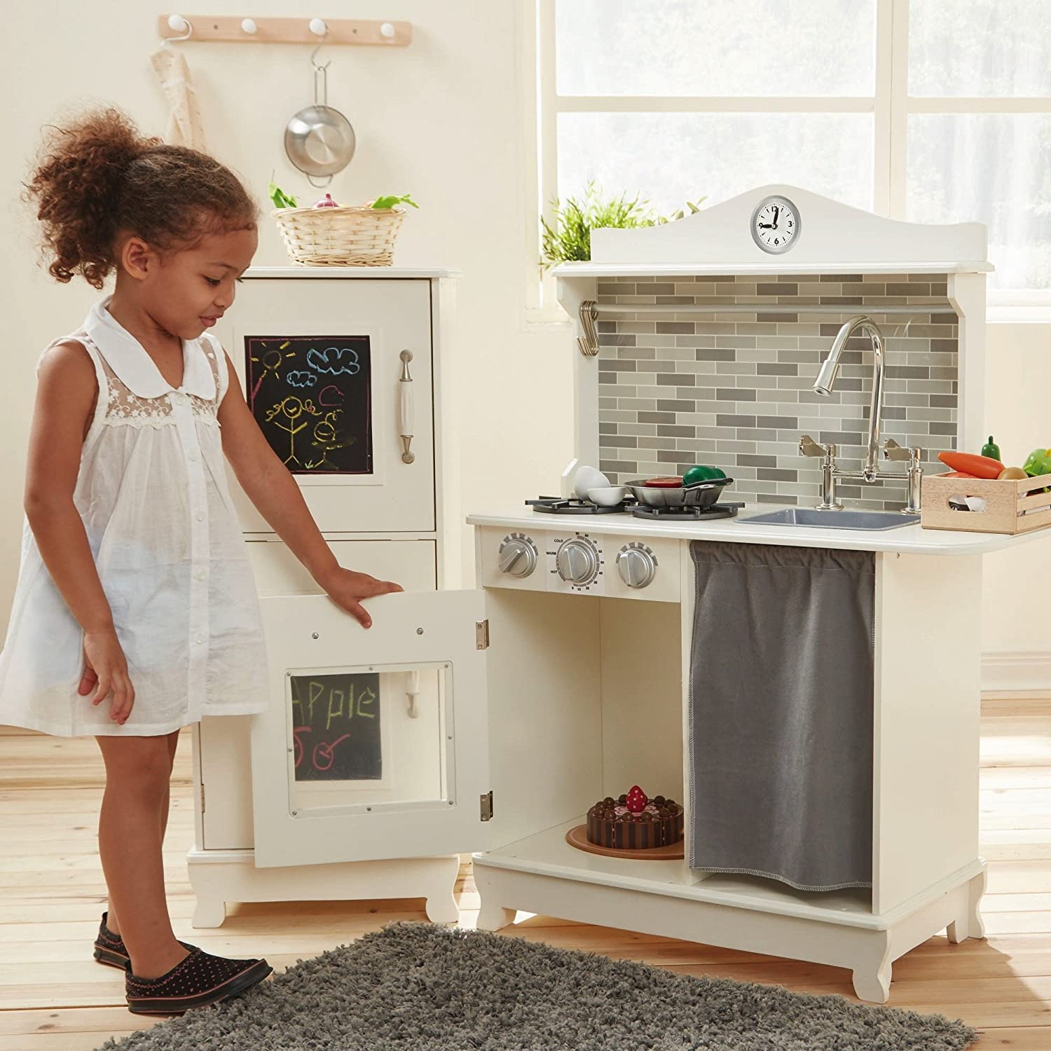 Charmant Amazon.com: Teamson Design Kids Sunday Brunch Wooden Play Kitchen With  Black Board: Toys U0026 Games