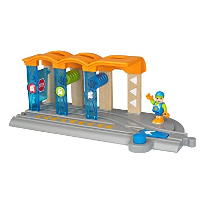 Brio World Smart Tech - 33874 Smart Washing Station | 2 Piece Toy Train Accessory for Kids Ages 3 and Up: Toys & Games