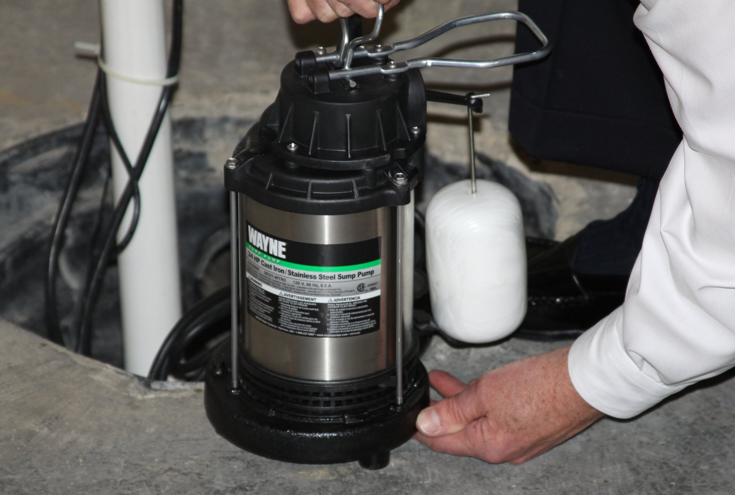WAYNE CDU980E 3/4 HP Submersible Cast Iron and Stainless Steel Sump Pump With Integrated Vertical Float Switch by Wayne (Image #4)
