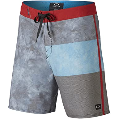 de49bf7e1c Amazon.com: Oakley Men's Voyage Vagabond 18, Jet Black, 34: Clothing