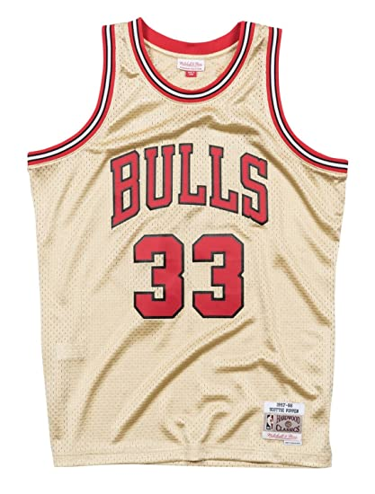 a38038138d48 Mitchell   Ness Gold Chicago Bulls Scottie Pippen Swingman Jersey (Road  Gold