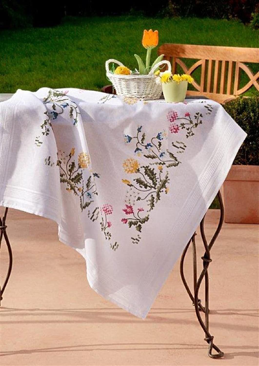 Bluebells /& Dandelions by Deco-Line Deco-Line Stamped Cross Stitch Tablecloth Kit