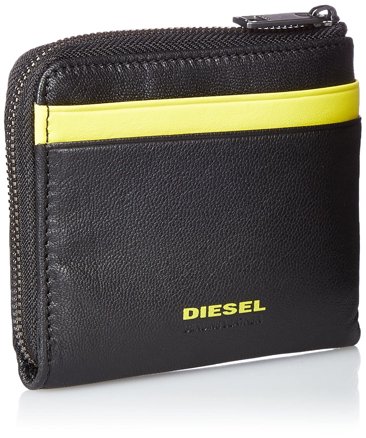 35c4c6088a40 Amazon.com  Diesel Men s Fresh Starter Pass-Mee Leather Wallet with Zipper
