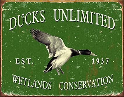 """DUCKS UNLIMITED Round Tin Sign Wetlands Garage Man Cave Hunting 11.75/"""" S-1900"""