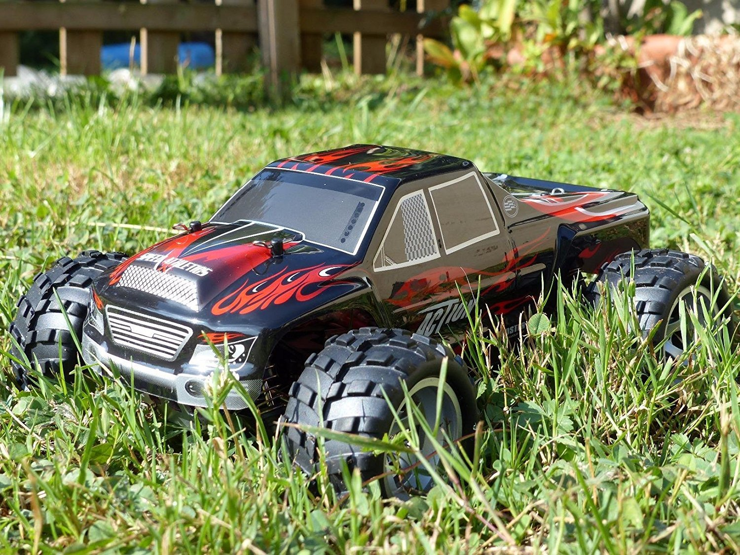 Remote Control Car, Distianert 1/18 Scale 4WD RC Car Electric Racing Car Off Road RC Monster Truck RTR Desert Buggy Vehicle 2.4Ghz 30MPH High Speed with 2 Rechargeable Batteries by Distianert (Image #5)