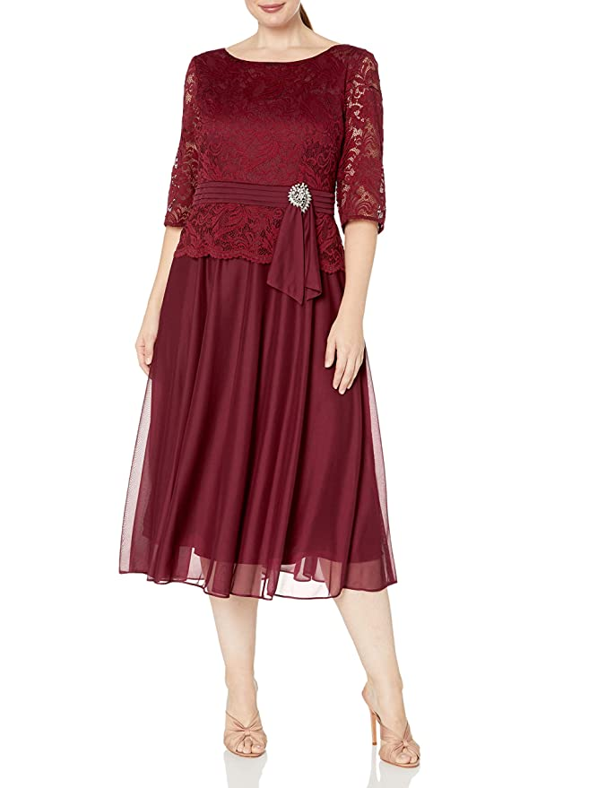 1940s Plus Size Dresses | Swing Dress, Tea Dress Le Bos Womens Plus Size Lace Dress with Brooch Waist Detail $95.87 AT vintagedancer.com