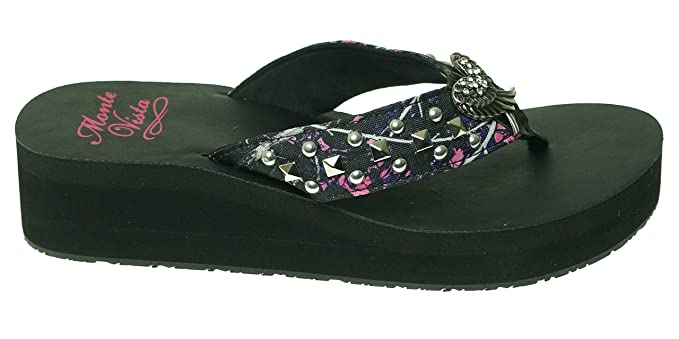 8330a45fca0e7 Amazon.com: Muddy Girl Rhinestone Flip Flops Sandals with Angel Wings Size  7: Sports & Outdoors