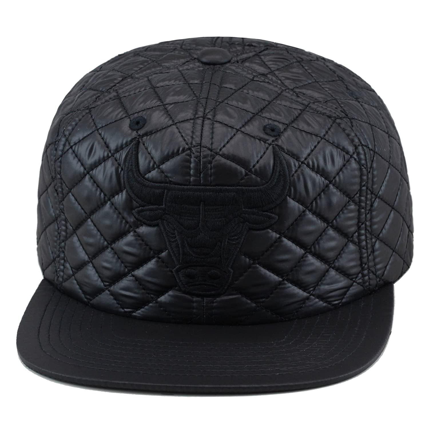the best attitude eb528 3b192 Top14  Mitchell   Ness Chicago Bulls Snapback Hat Cap All Black Quilted  Pattern