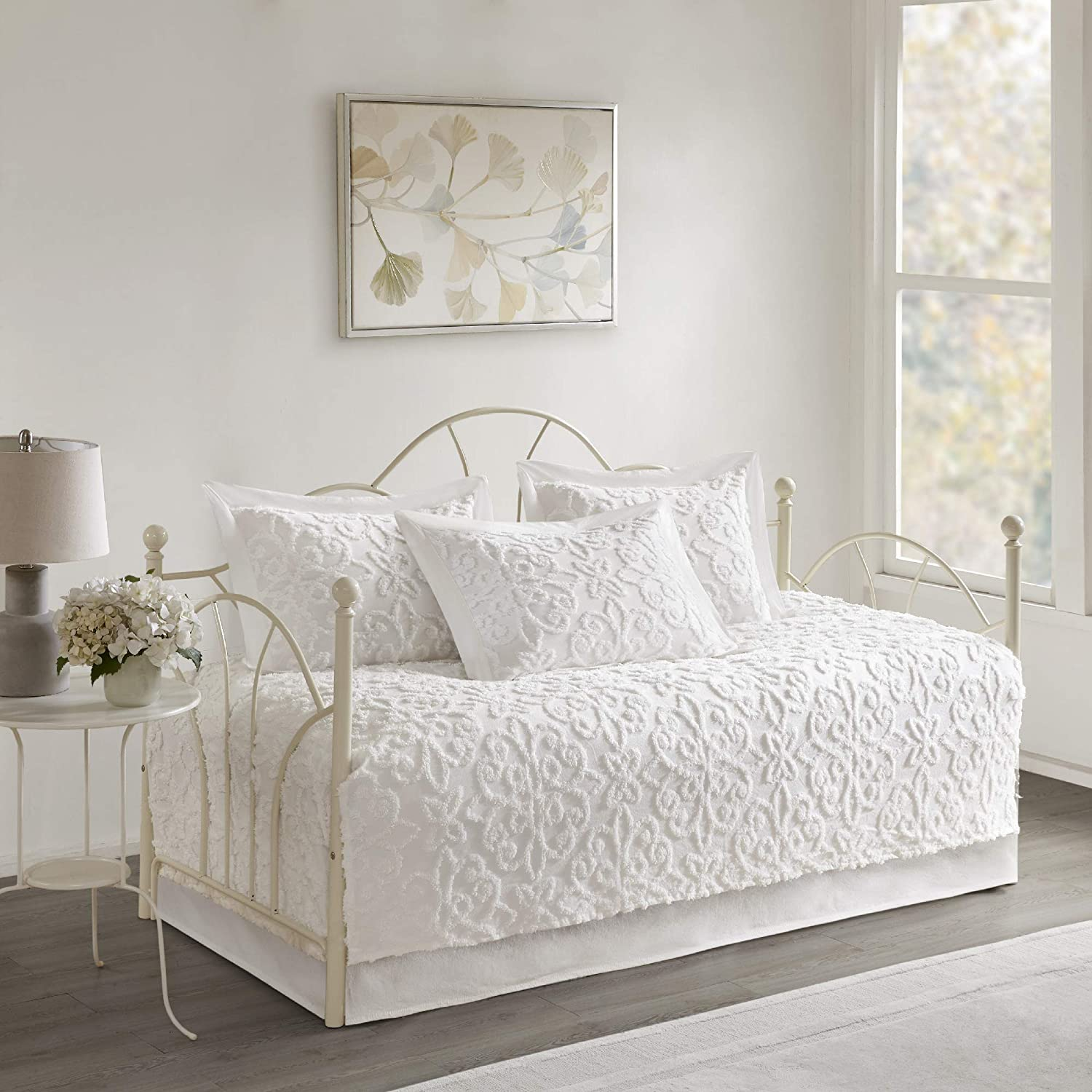 Madison Park Sabrina 5 Piece Tufted Cotton Chenille Quilt Set Coverlet Bedding, Daybed, Medallion Embroidery White